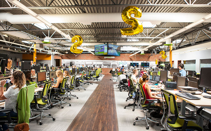 photo san diego office. Equal Footing: While The Customer Happiness Team Uses Hotel Stations, Rest Of Staff Has Permanent Workstations. There Are No Offices\u2014regardless Photo San Diego Office